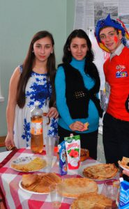 Угощение и конкурс на самый вкусный и красивый стол от класса